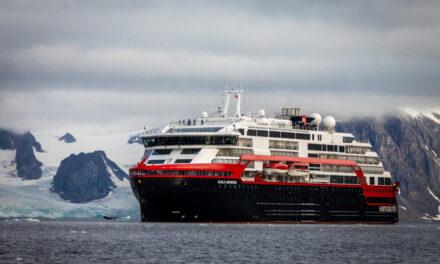 36 Hurtigruten-ansatte testet positivt for covid-19
